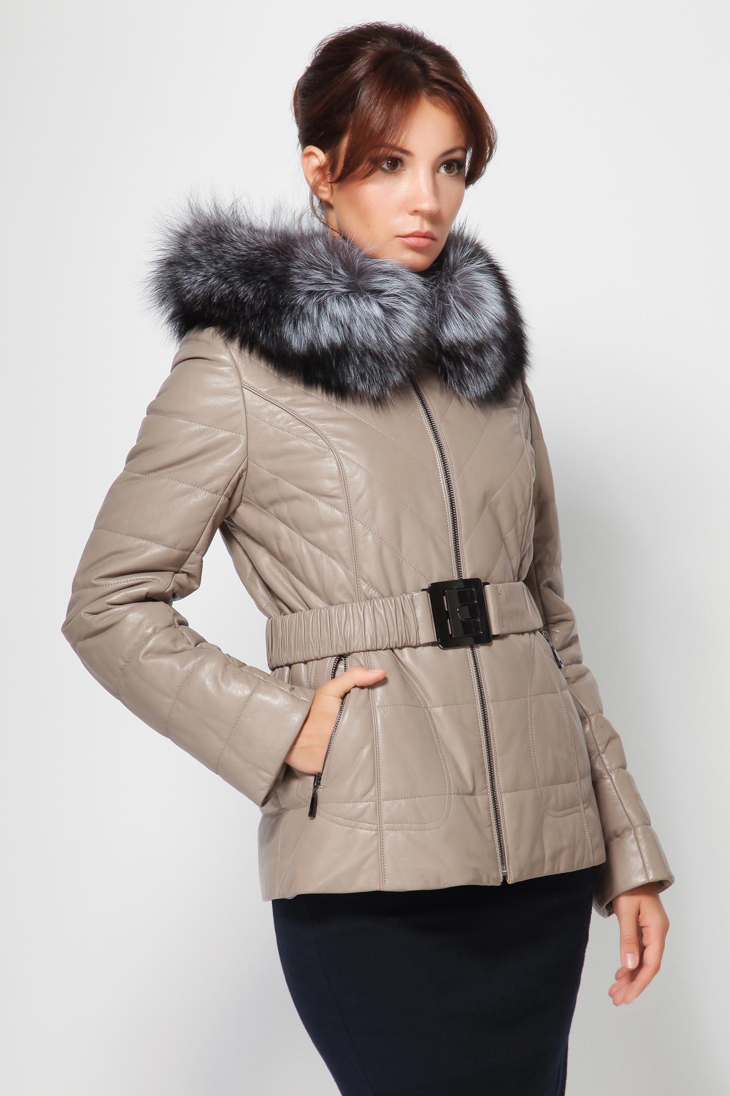 Женская кожаная куртка из натуральной кожи с капюшоном, отделка лиса<br><br>Воротник: Капюшон<br>Длина см: 65<br>Материал: Плонже<br>Цвет: Бежевый<br>Вид застежки: Лиса<br>Пол: Женский