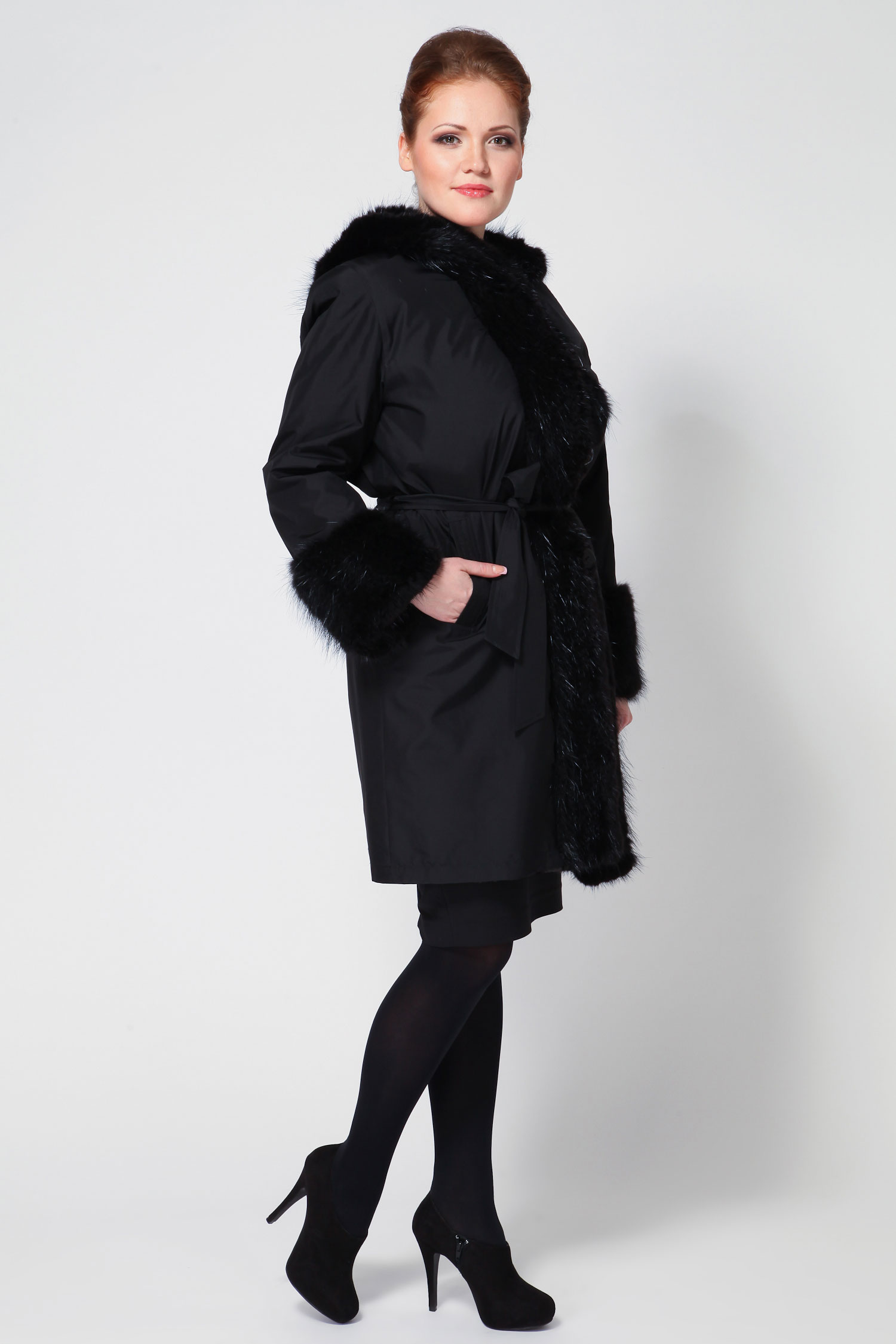 Пальто двустороннее с капюшоном, отделка бобр от Московская Меховая Компания