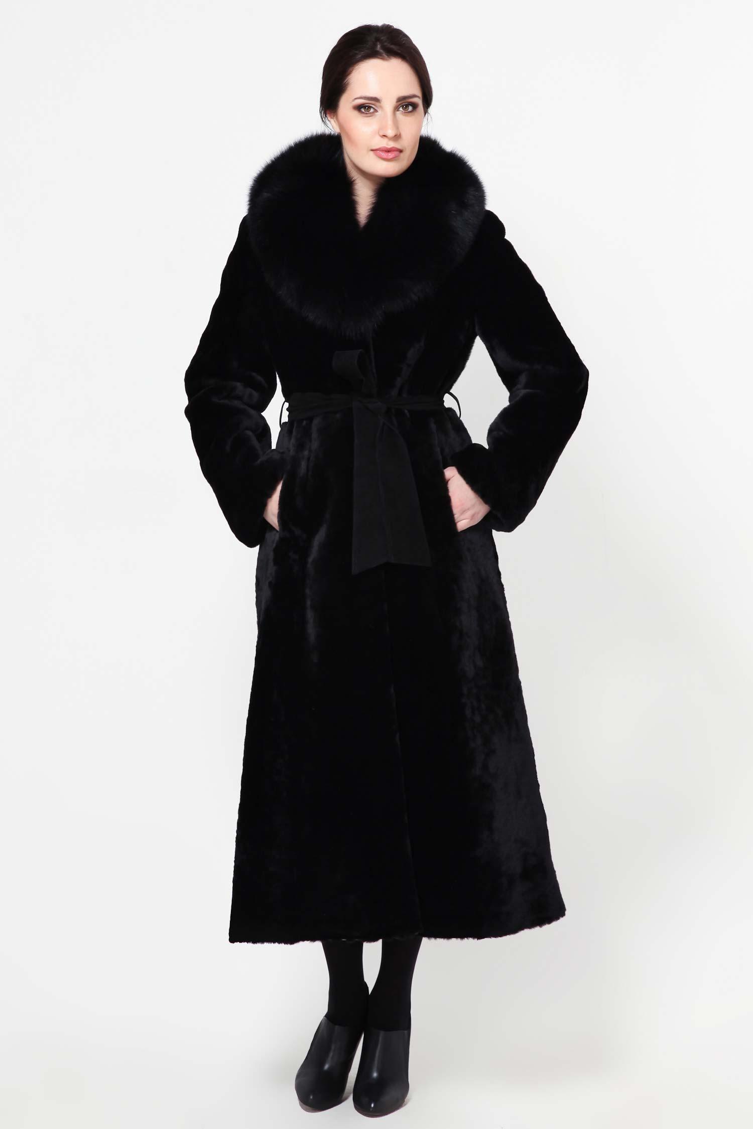 Шуба из мутона с воротником, отделка песецИзумительное пальто с длинными рукавами и меховым воротником из песца, подчеркнет Ваш изысканный вкус. Модель дополнена потайными крючками и шикарным кожаным ремнем. Изделие выполнено из материалов высшего качества. Это идеальный вариант для Вашего вечернего, повседневного или даже торжественного гардероба верхней одежды. Выбор самых роскошных и изумительных леди.<br><br>Воротник: Шаль<br>Длина см: 125<br>Цвет: Черный<br>Вид застежки: Песец<br>Пол: Женский<br>Размер RU: 46