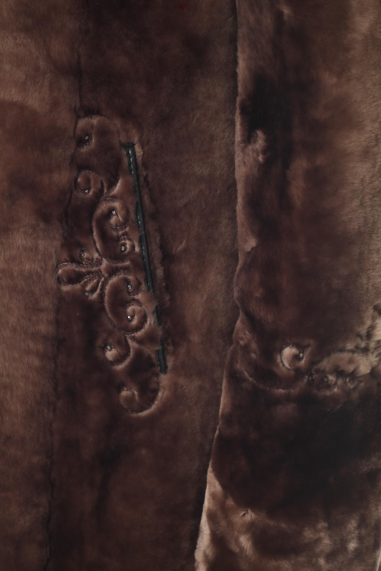 Шуба из мутона с капюшоном, без отделки от Московская Меховая Компания