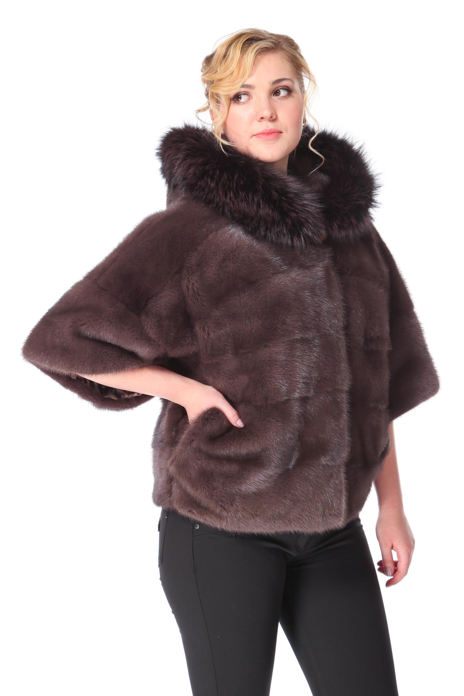 Куртка из норки с капюшоном, отделка лисаЦвет пепельно-бежевый графит.<br><br>Модель изготовлена из меха европейской норки. Отделка  мех лисы.<br><br>Японская пройма, укороченный рукав и шикарный объемный капюшон с отделкой из меха лисы, дают возможность почувствовать себя очень эффектно, элегантно и по-царски роскошно. Укороченная длина не сковывает движения и позволяет комфортно ощущать себя за рулем автомобиля. Данный фасон, скрывая все недостатки, подчеркивает очевидные достоинства фигуры любой женщины. Обладательница модели каждый день будет ловить на себе восхищенные взгляды окружающих и чувствовать себя непревзойденно.<br><br>Длина см: 60<br>Капюшон: Есть<br>Отделка: Лиса<br>Цвет: Серо-коричневый<br>Пол: Женский<br>Размер RU: 46