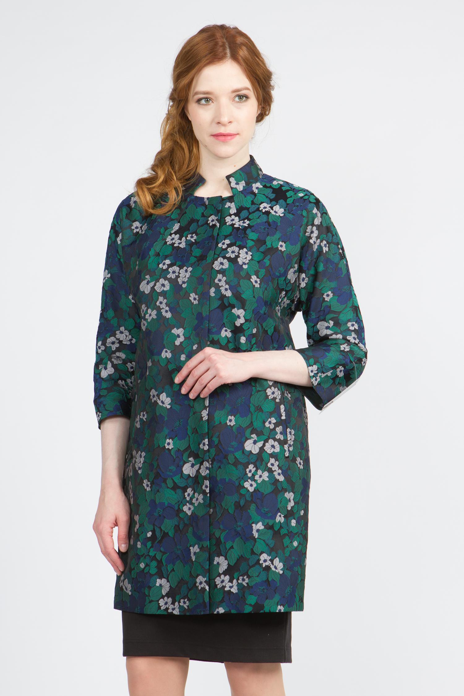 Облегченное женское пальто из текстиля с воротником, без отделки