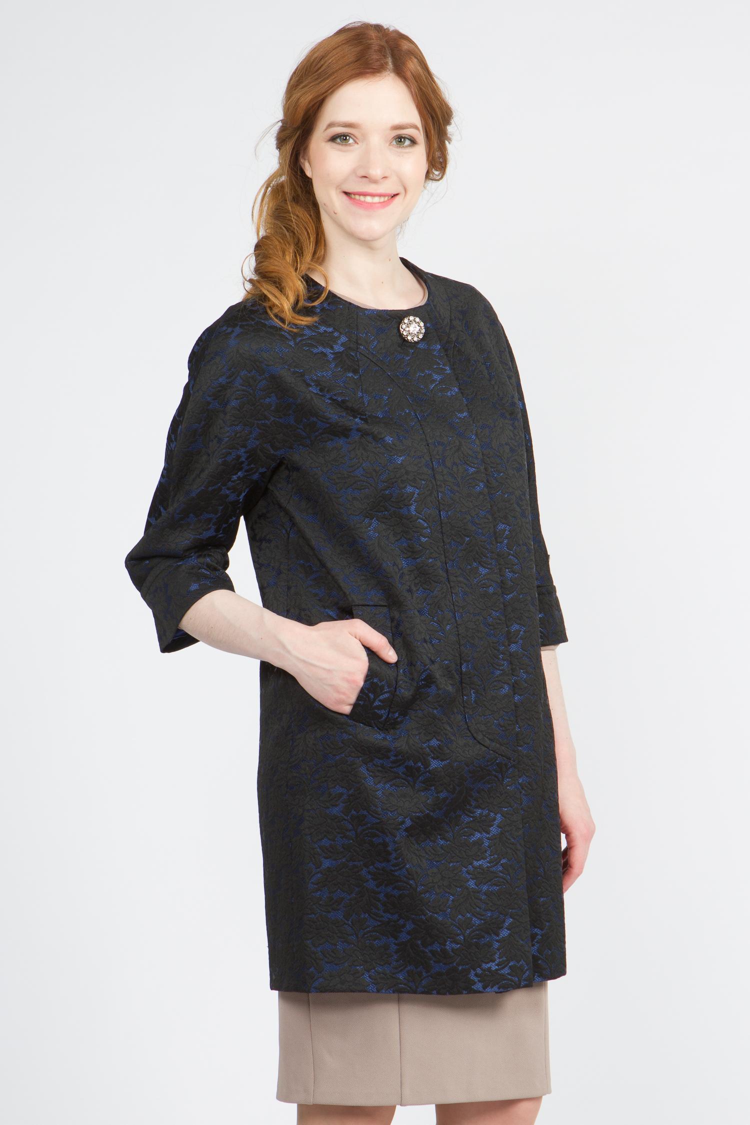 Облегченное женское пальто из текстиля без воротника, без отделки