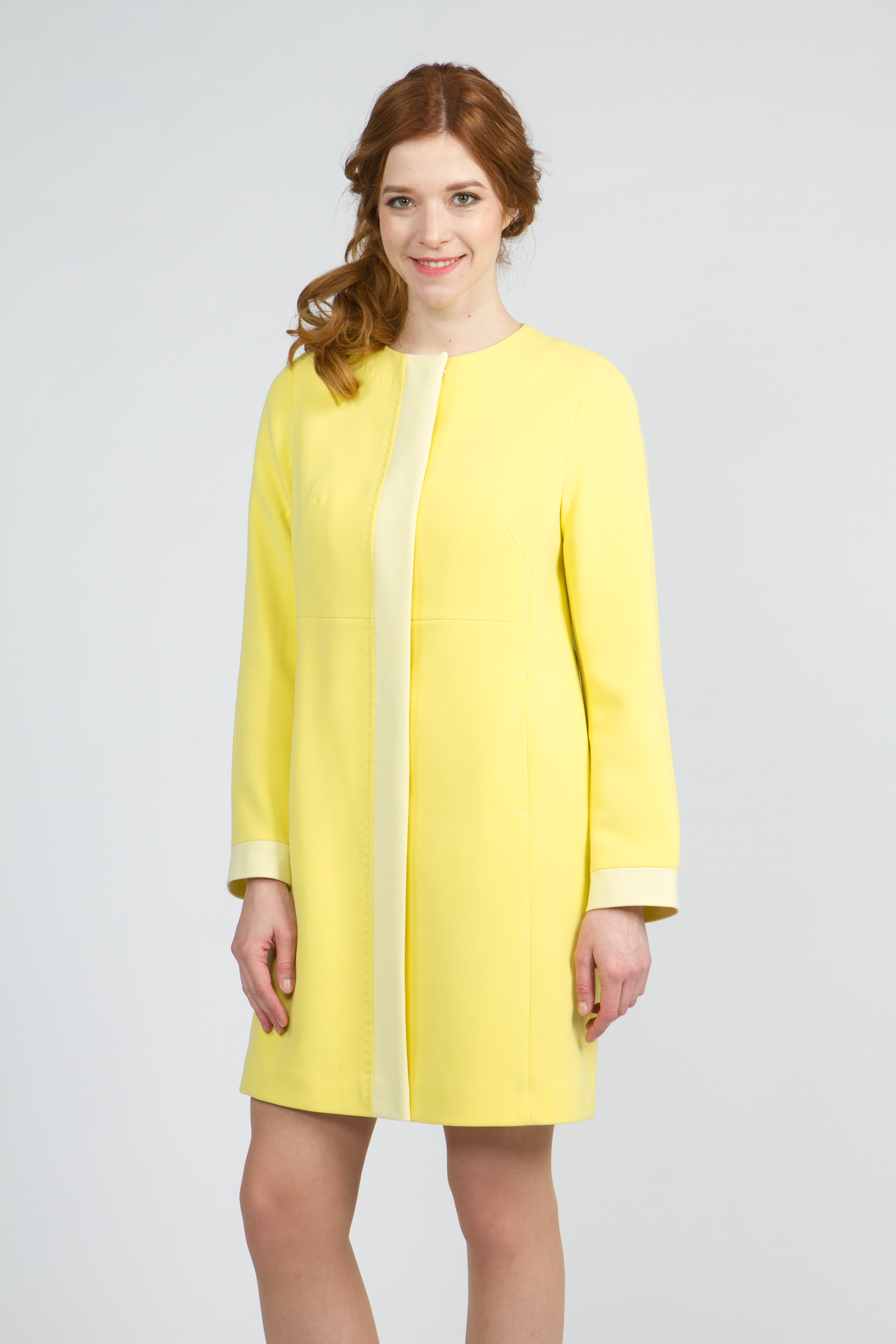 Облегченное женское пальто из текстиля без воротника, без отделки. Производитель: Московская Меховая Компания, артикул: 9078