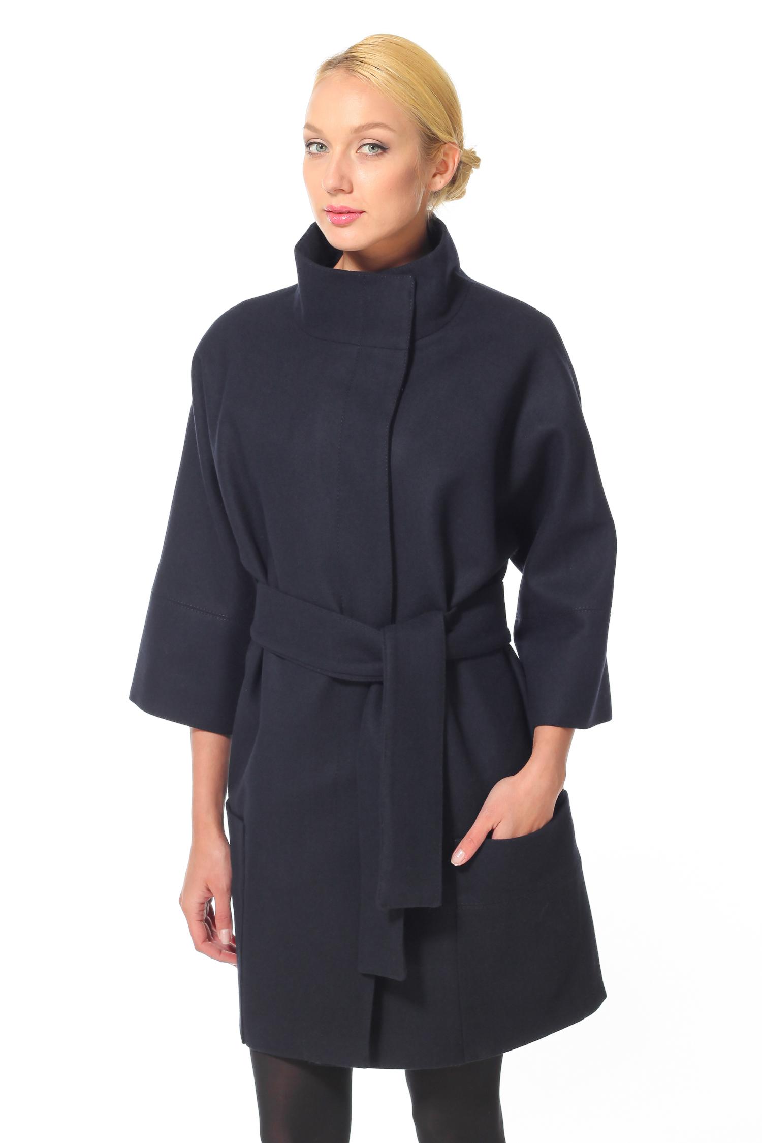 Женское пальто с воротником, без отделки<br><br>Воротник: Стойка<br>Длина см: 90<br>Материал: 80% шерсть 20% полиамид<br>Цвет: Темно-синий<br>Пол: Женский