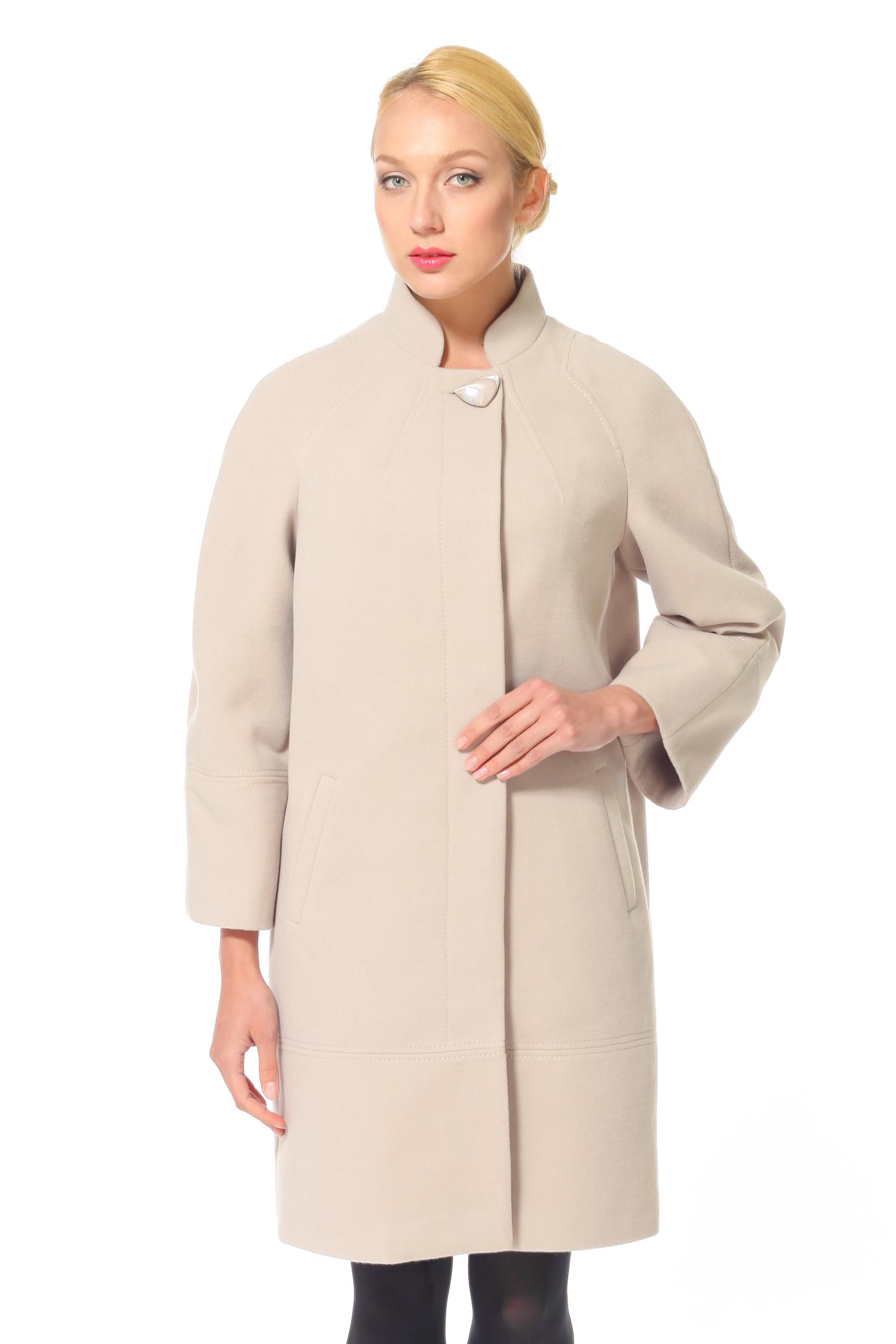 Женское пальто с воротником, без отделки<br><br>Воротник: Оригинальный<br>Длина см: 95<br>Материал: 55% шерсть 45% полиамид<br>Цвет: Бежевый<br>Пол: Женский