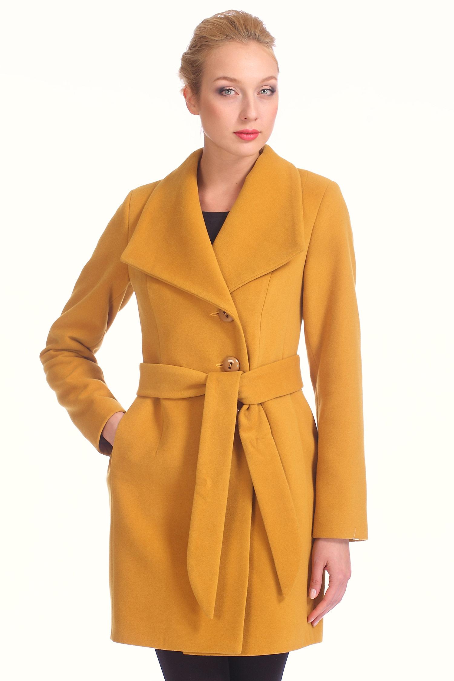Женское пальто с воротником, без отделки<br><br>Воротник: отложной<br>Длина см: Длинная (свыше 90)<br>Материал: Комбинированный состав<br>Цвет: горчичный<br>Вид застежки: двубортная<br>Застежка: на пуговицы<br>Пол: Женский<br>Размер RU: 50