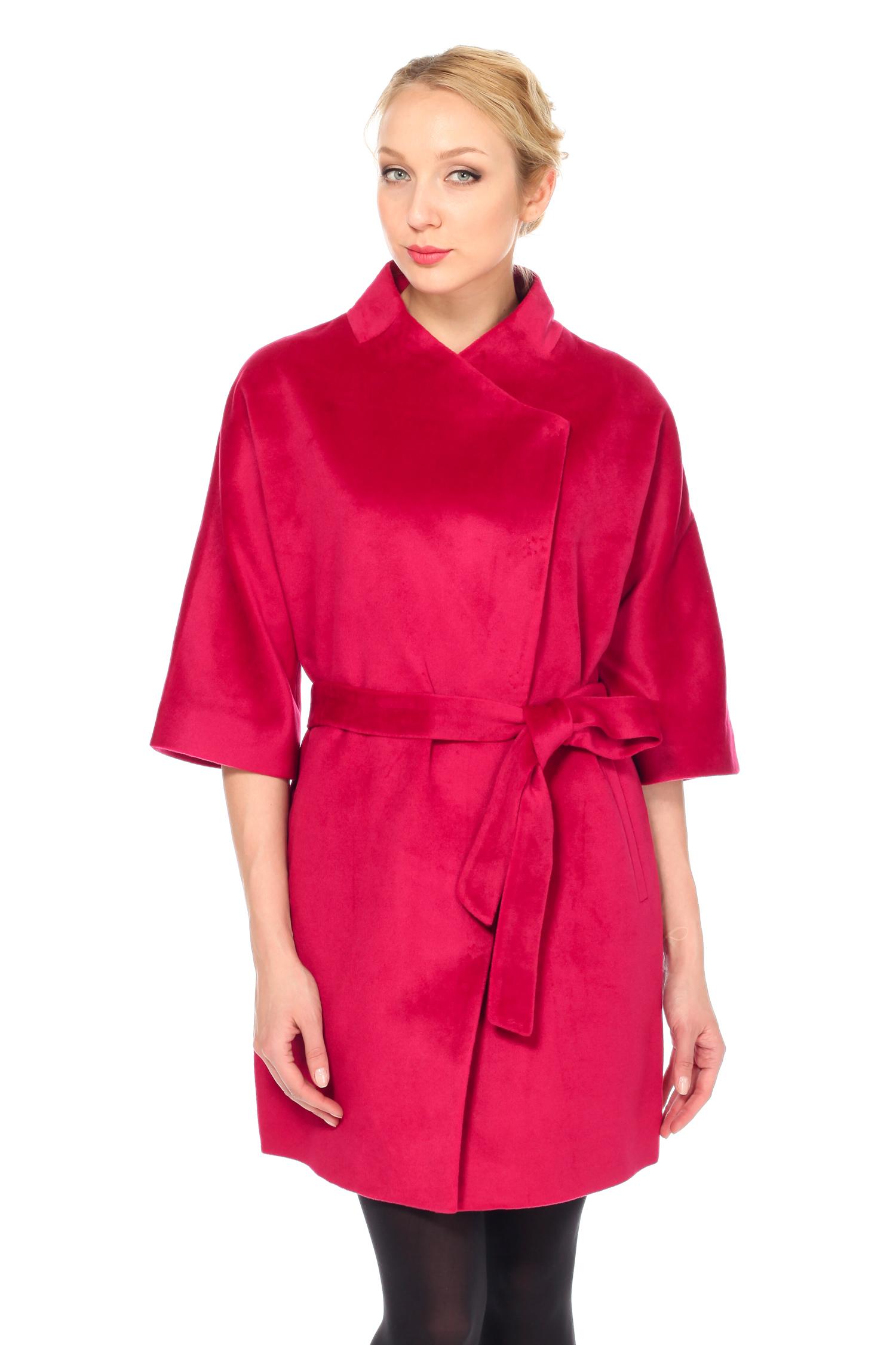 Женское пальто с воротником, без отделки<br><br>Воротник: стойка<br>Длина см: Длинная (свыше 90)<br>Материал: Комбинированный состав<br>Цвет: розовый<br>Вид застежки: косая<br>Застежка: на кнопки<br>Пол: Женский<br>Размер RU: 56