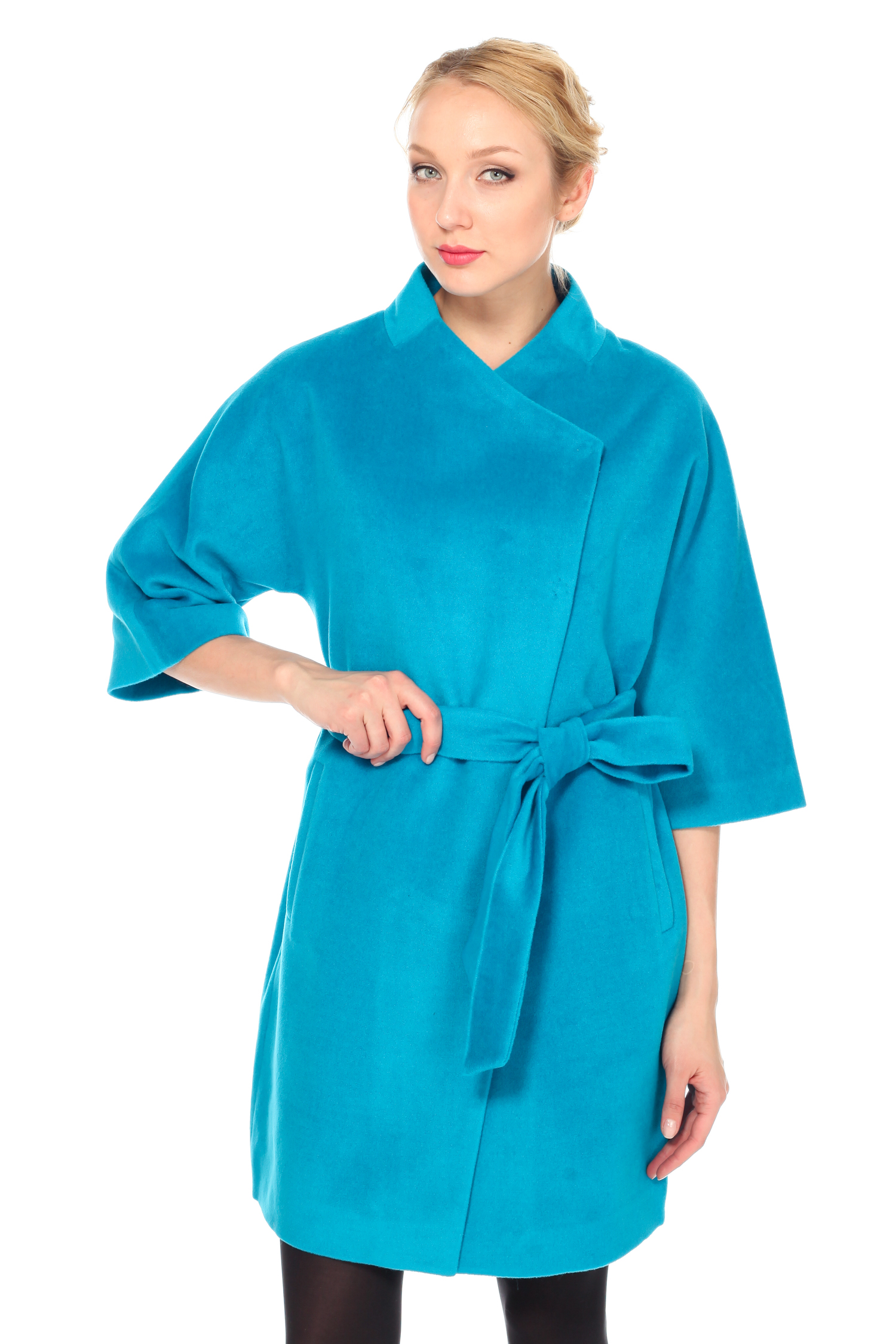 Женское пальто с воротником, без отделки<br><br>Воротник: стойка<br>Длина см: Длинная (свыше 90)<br>Материал: Комбинированный состав<br>Цвет: голубой<br>Вид застежки: косая<br>Застежка: на кнопки<br>Пол: Женский<br>Размер RU: 56