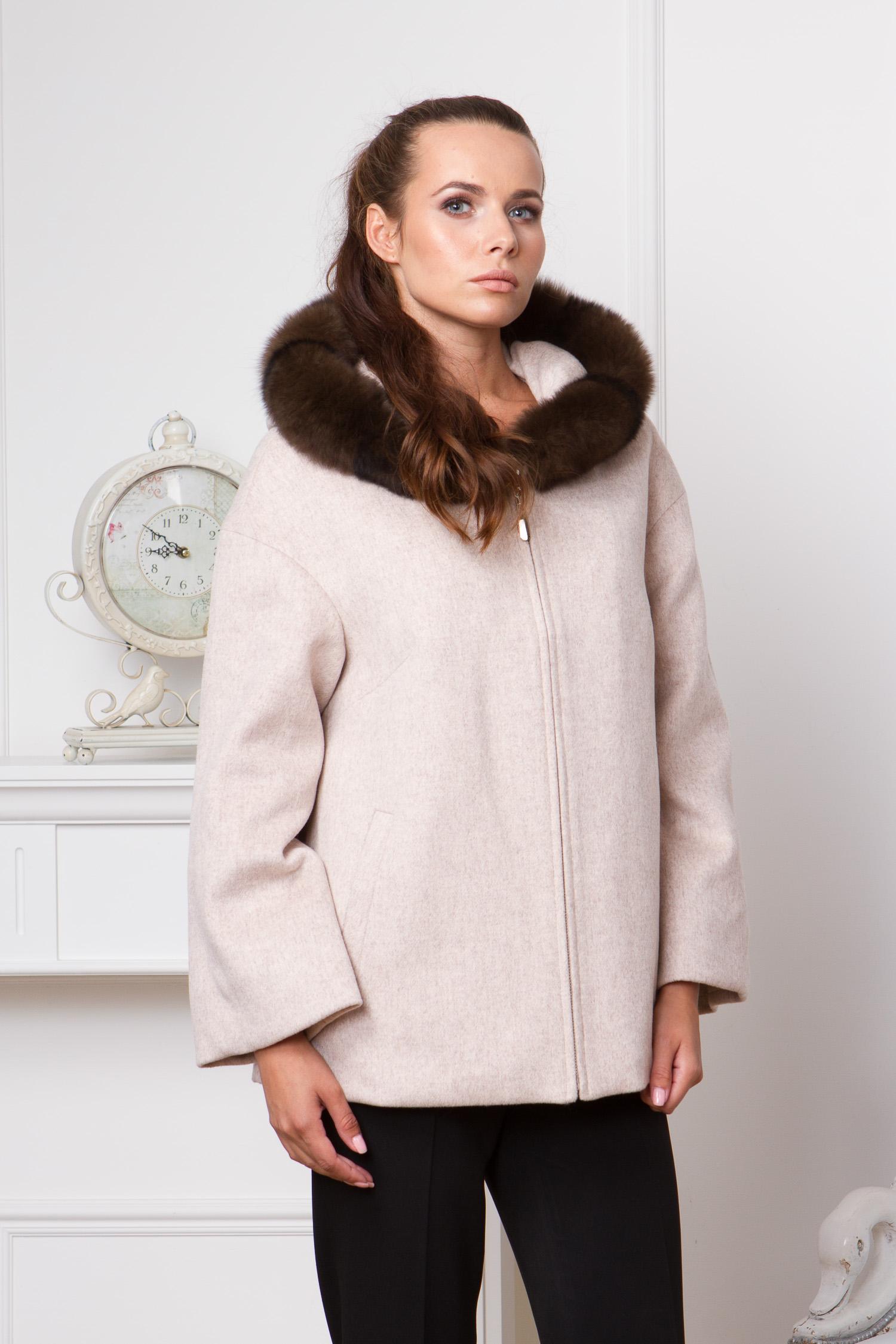 Женское пальто с капюшоном, отделка песец<br><br>Воротник: капюшон<br>Длина см: Короткая (51-74 )<br>Материал: Текстиль<br>Цвет: бежевый<br>Вид застежки: центральная<br>Застежка: на молнии<br>Пол: Женский<br>Размер RU: 48