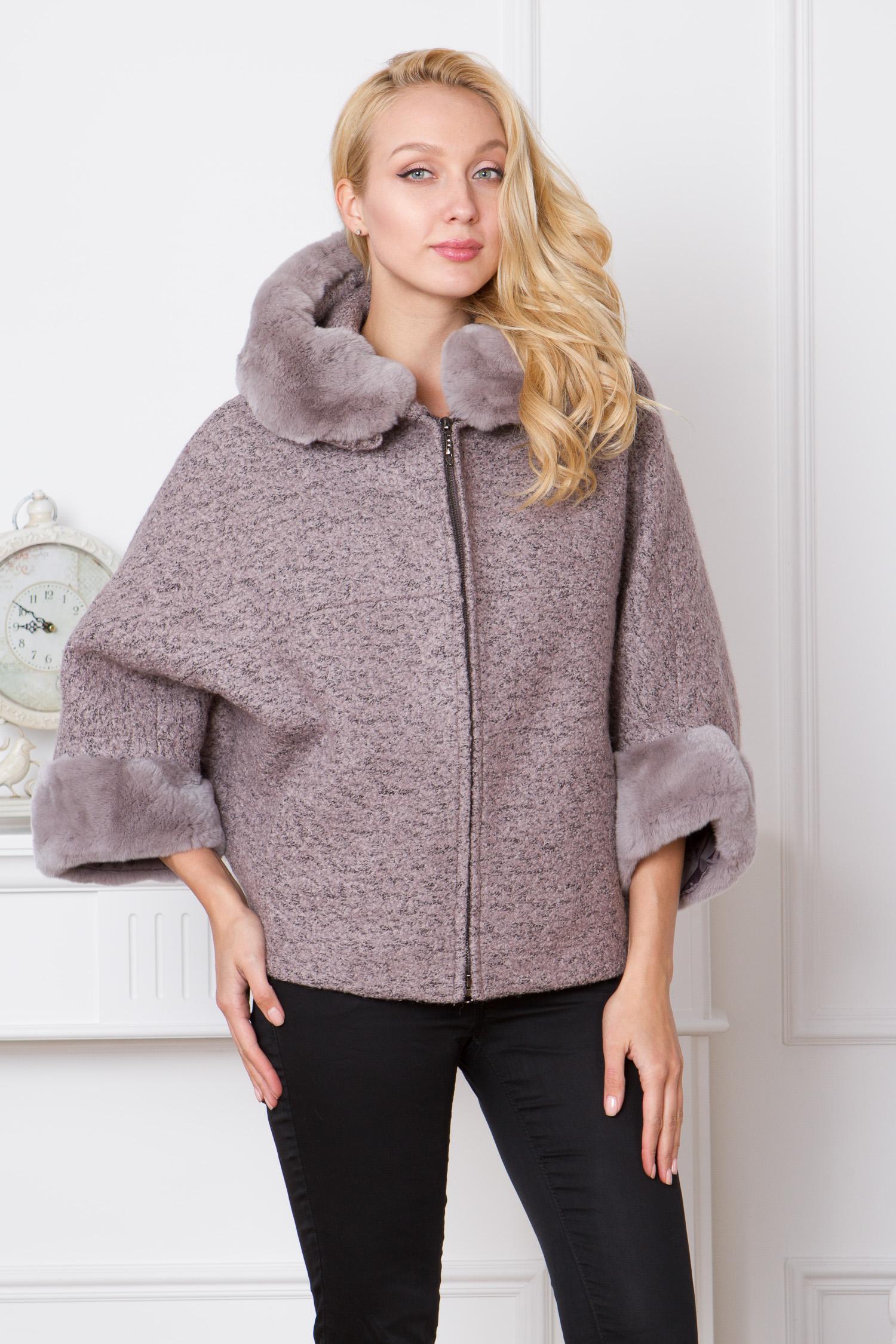 Женское пальто с капюшоном, отделка кролик<br><br>Воротник: капюшон<br>Длина см: Короткая (51-74 )<br>Материал: Текстиль<br>Цвет: бежевый<br>Вид застежки: центральная<br>Застежка: на молнии<br>Пол: Женский<br>Размер RU: 52