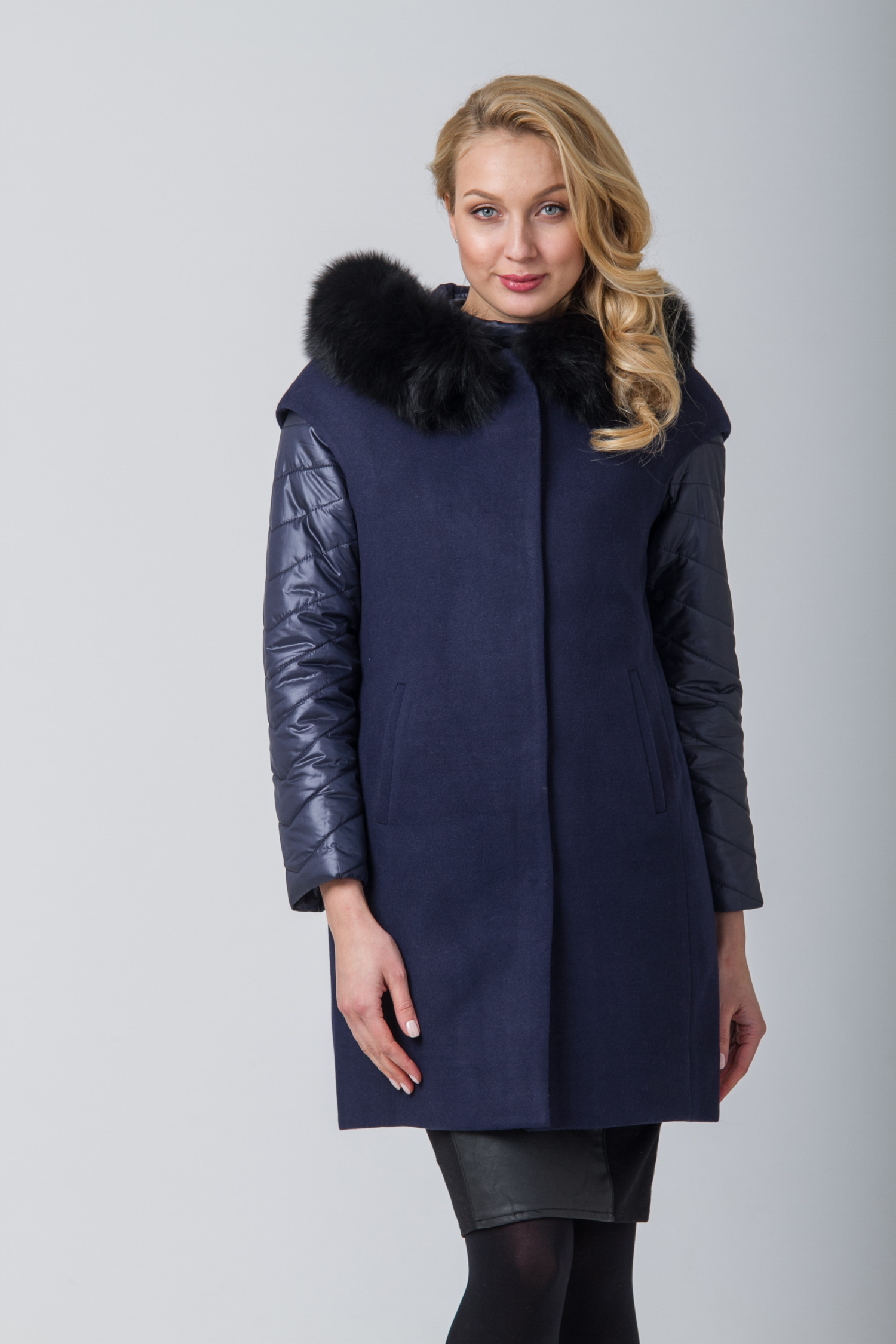 Пальто женское с капюшоном, отделка песец<br><br>Воротник: капюшон<br>Длина см: Длинная (свыше 90)<br>Материал: Текстиль<br>Цвет: синий<br>Вид застежки: потайная<br>Застежка: на кнопки<br>Пол: Женский<br>Размер RU: 48
