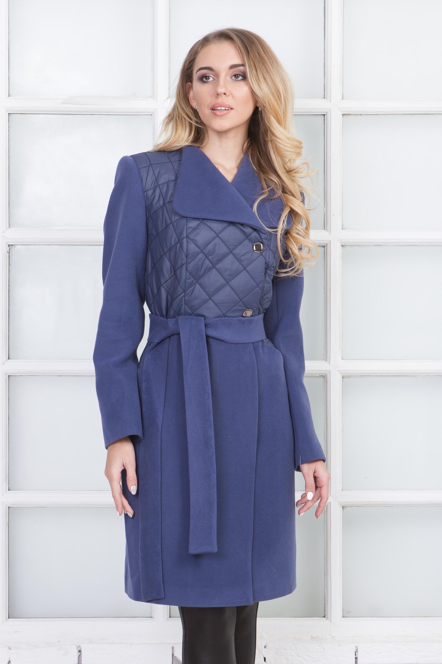 Фото 4 - Женское пальто из текстиля с воротником от МОСМЕХА сиреневого цвета