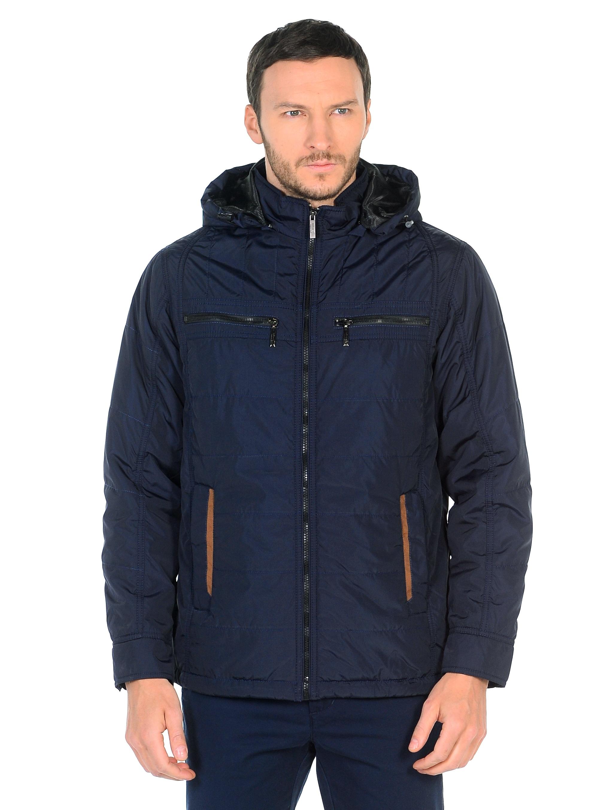 Мужская куртка из текстиля с капюшоном, без отделки<br><br>Воротник: съемный капюшон<br>Длина см: Средняя (75-89 )<br>Материал: Текстиль<br>Цвет: синий<br>Вид застежки: центральная<br>Застежка: на молнии<br>Пол: Мужской<br>Размер RU: 56