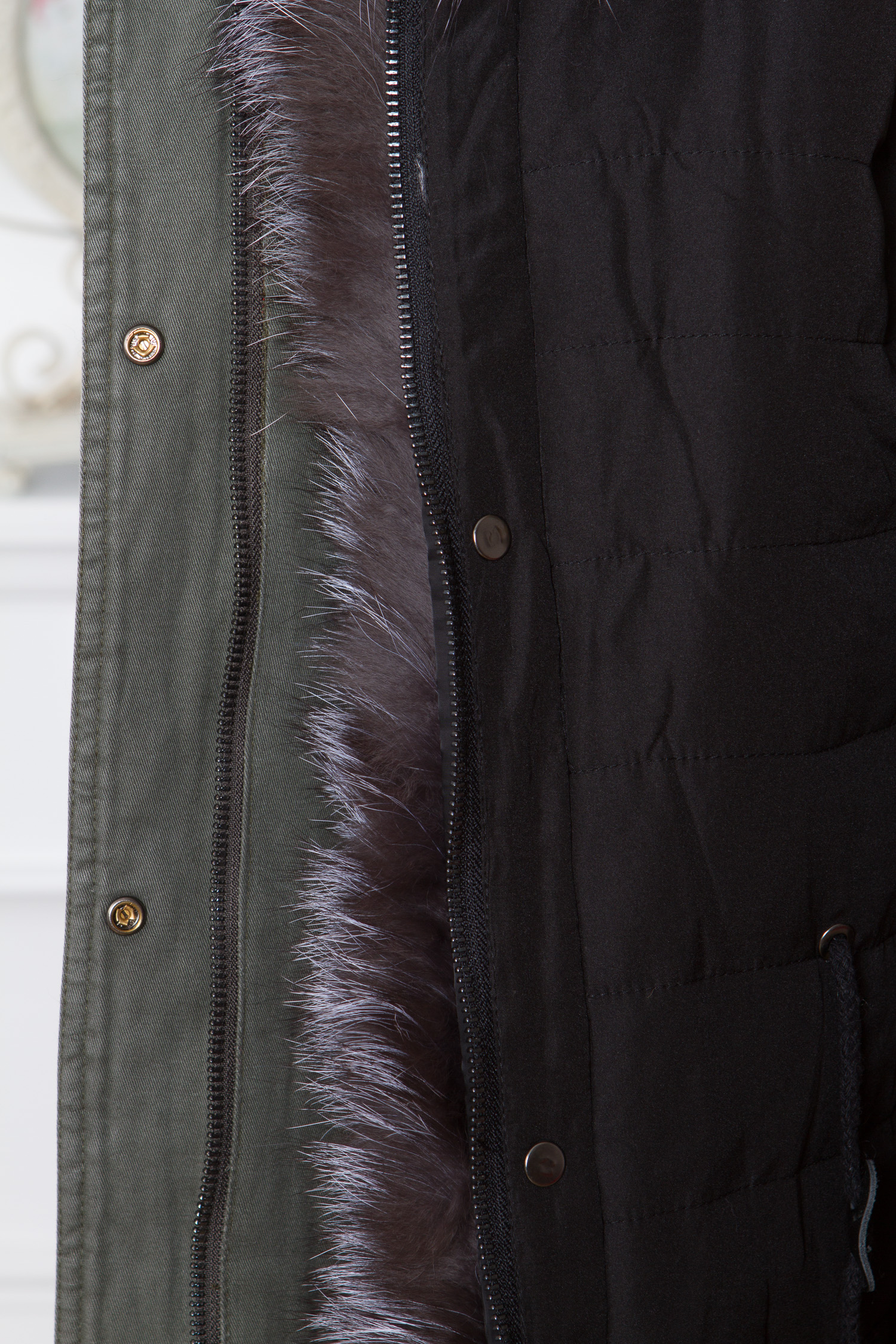 Парка женская с капюшоном, отделка натуральным мехом чернобурки от Московская Меховая Компания