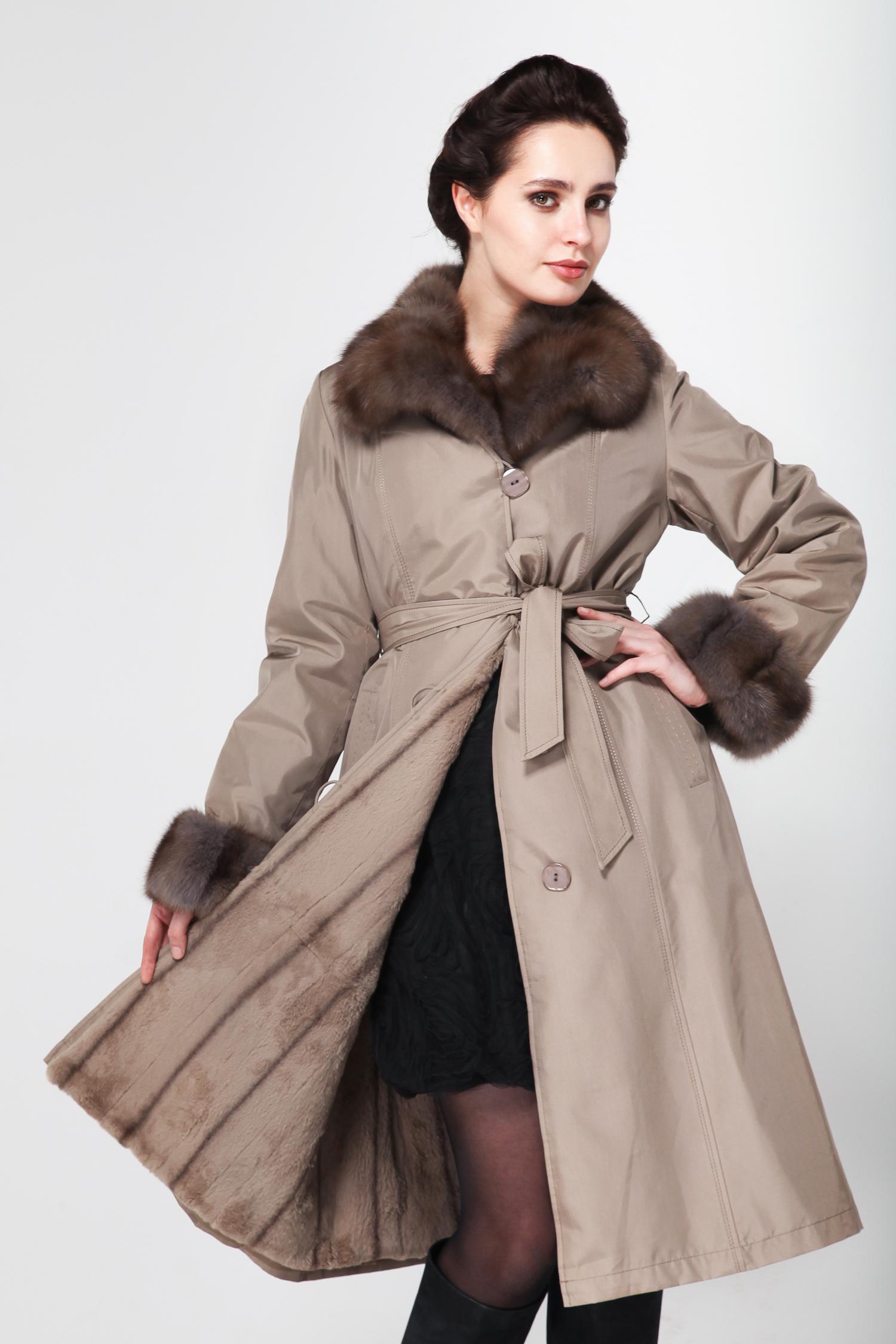 Пальто на меху с воротником, отделка соболь от Московская Меховая Компания