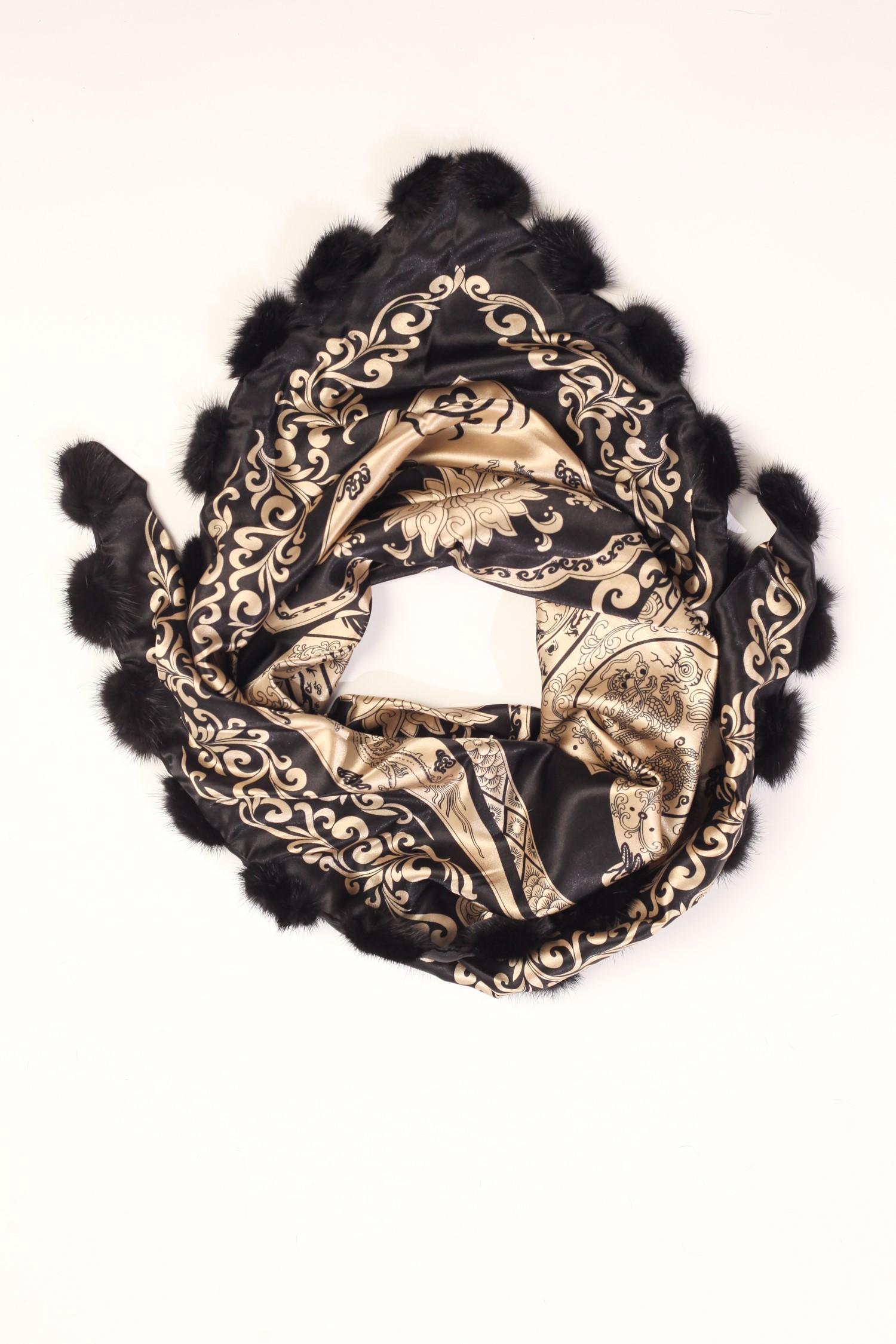 Шарф из сатина, отделка норка<br><br>Материал: Текстиль<br>Цвет: бежевый<br>Пол: Женский<br>Размер RU: 56