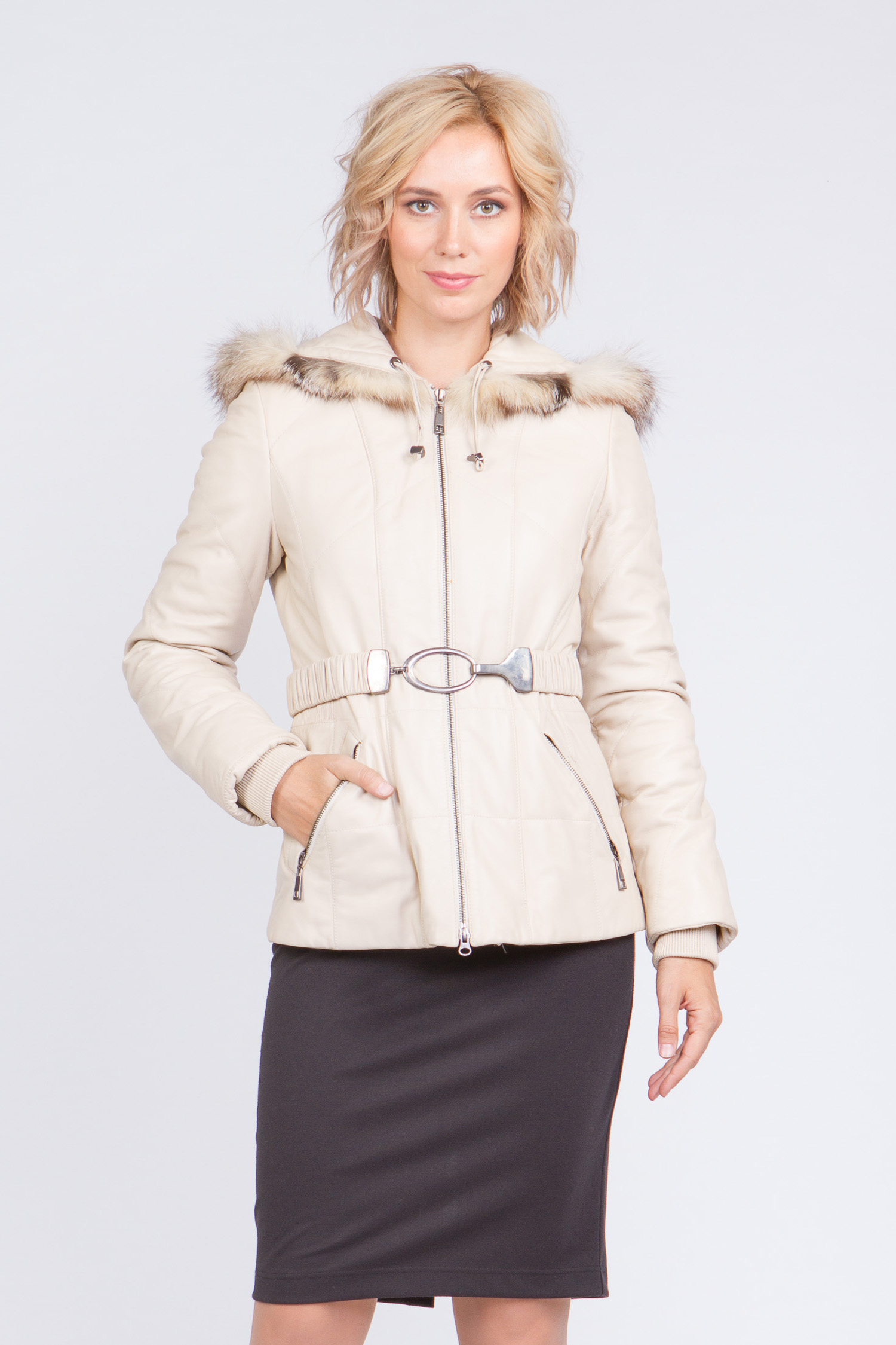 Куртка женская из натуральной кожи с капюшоном, отделка лиса