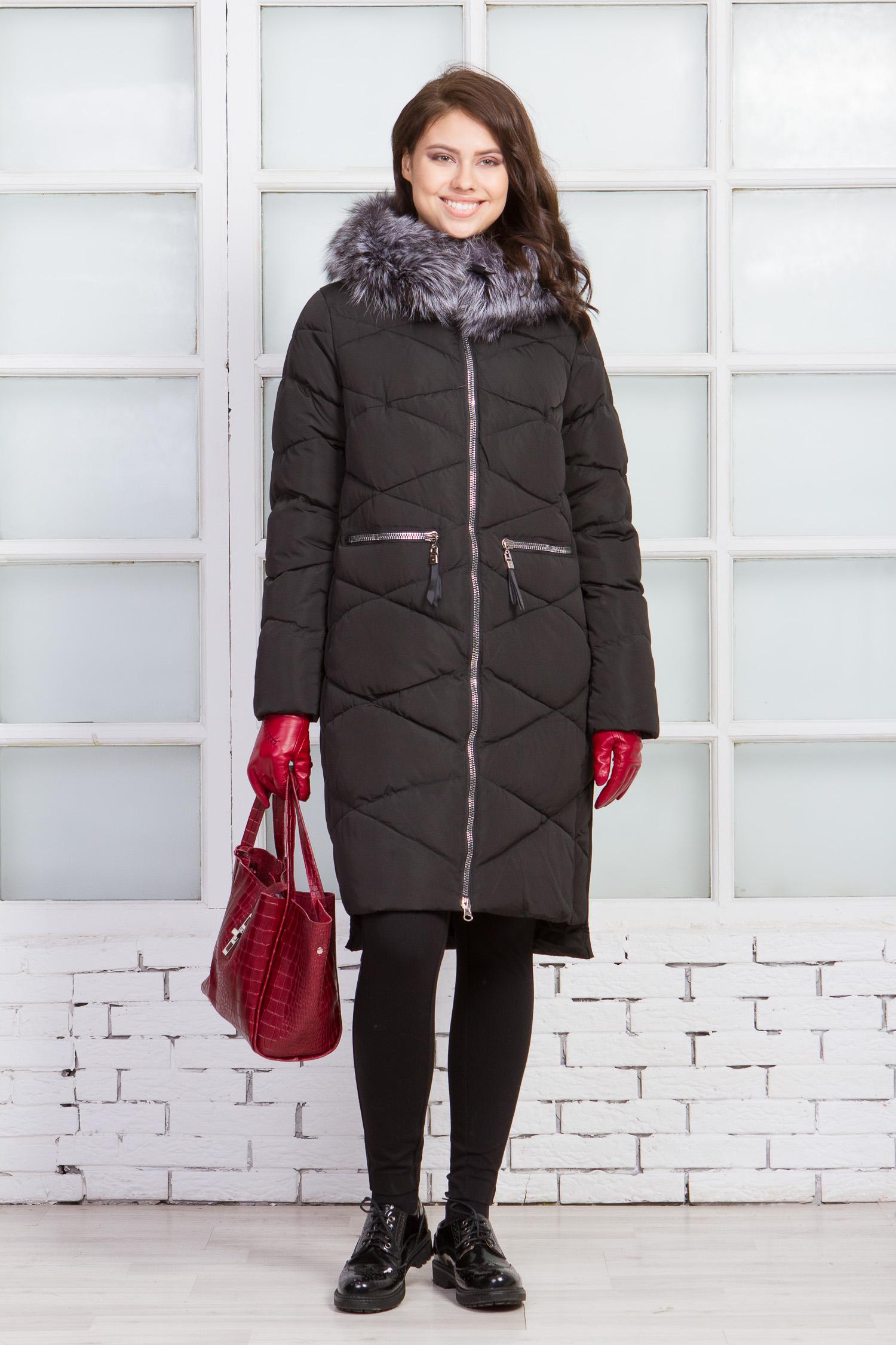 Пуховик женский из текстиля с капюшоном, отделка чернобурка