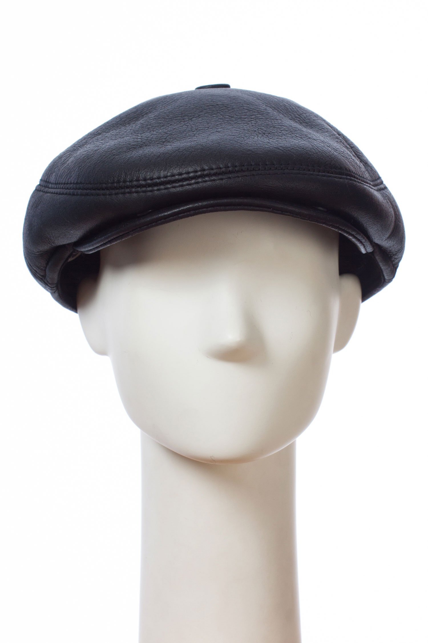 Шапка мужская из натуральной кожи и овчиныКлассическая мужская кепка из натуральной кожи специальной выработки Силк, с мехом ОВЧИНА изнутри.<br><br>Силк - это добротное, тонкое, красивое покрытие. Создают его за счет пропитки замши специальным раствором, смешанным с резиновой массой.<br><br>Материал: Кожа овчина<br>Цвет: черный<br>Размер RU: 58-59