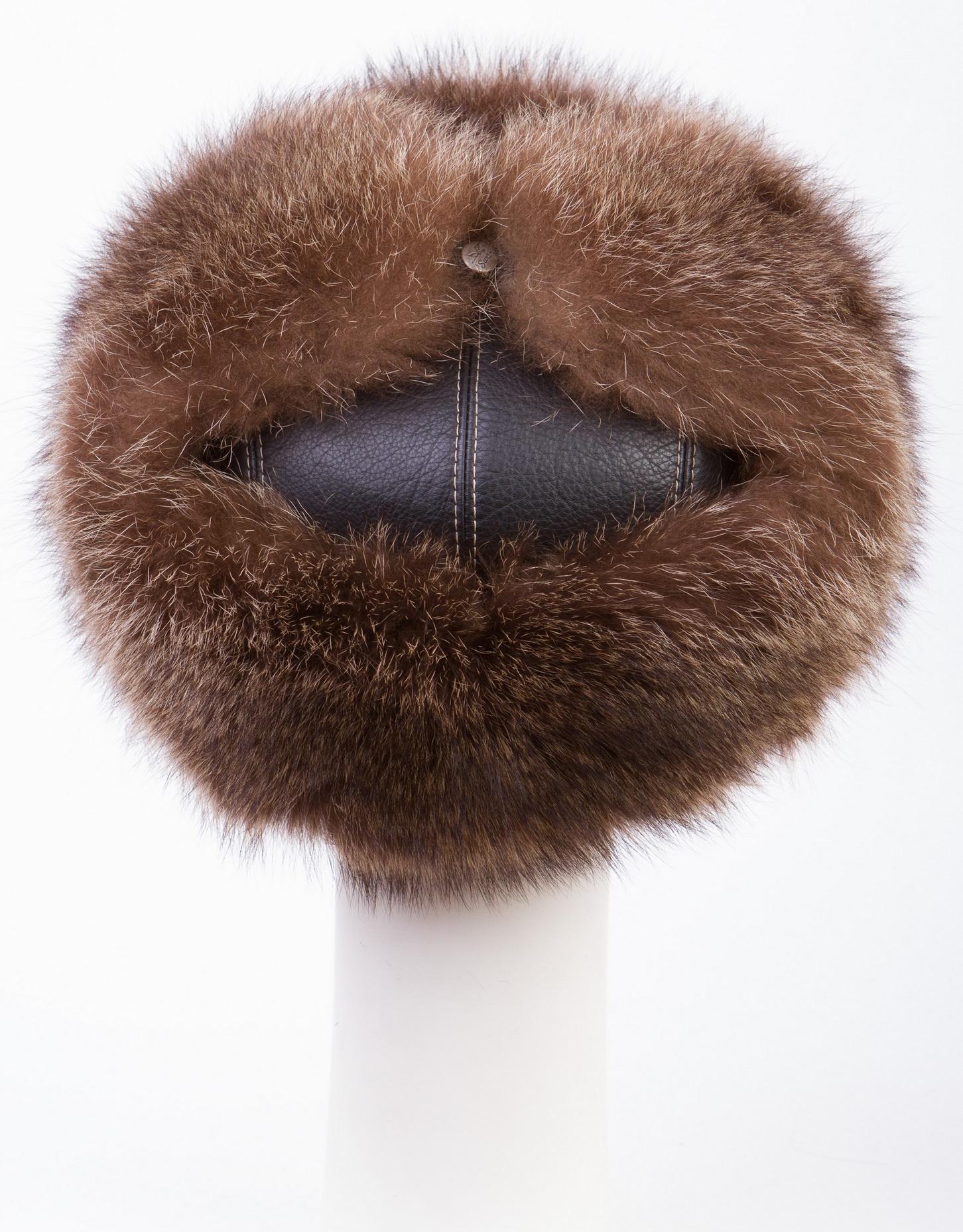 Шапка мужская из натуральной кожи и овчины, отделка енот от Московская Меховая Компания