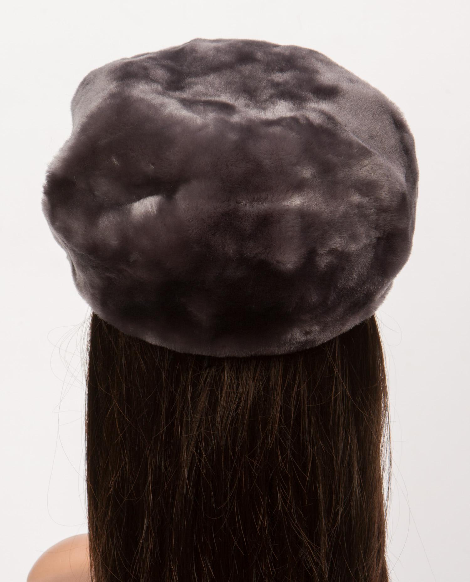 Шапка женская из мутона, без отделки от Московская Меховая Компания