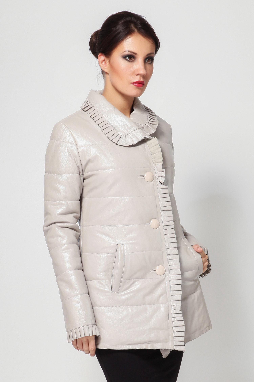 Женская кожаная куртка из натуральной кожи с воротником, без отделки<br><br>Воротник: отложной<br>Длина см: Средняя (75-89 )<br>Материал: Кожа овчина<br>Цвет: бежевый<br>Вид застежки: центральная<br>Застежка: на пуговицы<br>Пол: Женский<br>Размер RU: 44
